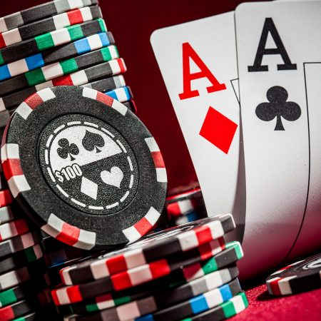 Poker-Side-975x1119_41710325